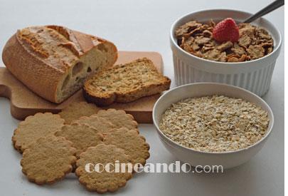 Cómo debe ser un desayuno saludable: cereales o pan