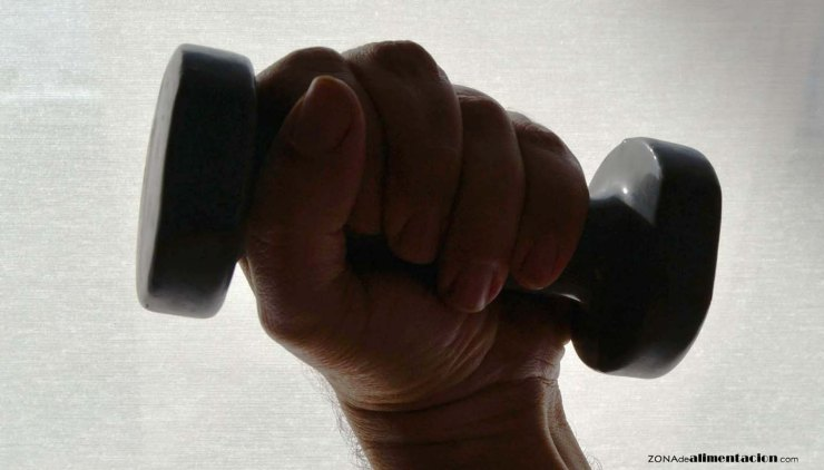 Tabla de ejercicios de gimnasia para hacer en casa y adelgazar