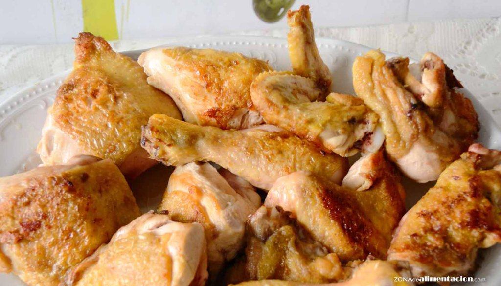 calorías, índice glucémico y valor nutritivo o nutricional y propiedades del pollo o la carne de pollo