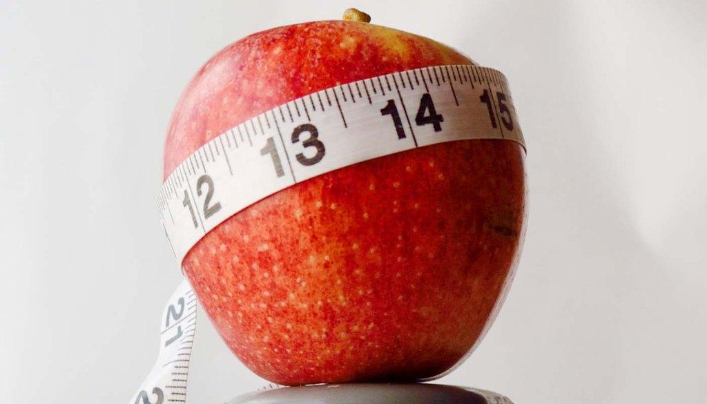 La clave para aprender a comer: cómo reconocer la sensación de saciedad. Consejos para perder peso y adelgazar sin dietas. Hábitos para comer sano. Alimentación saludable y sana