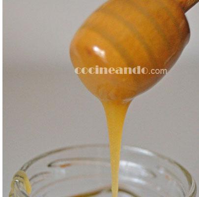 Miel: calorías, índice glucémico y valor nutritivo