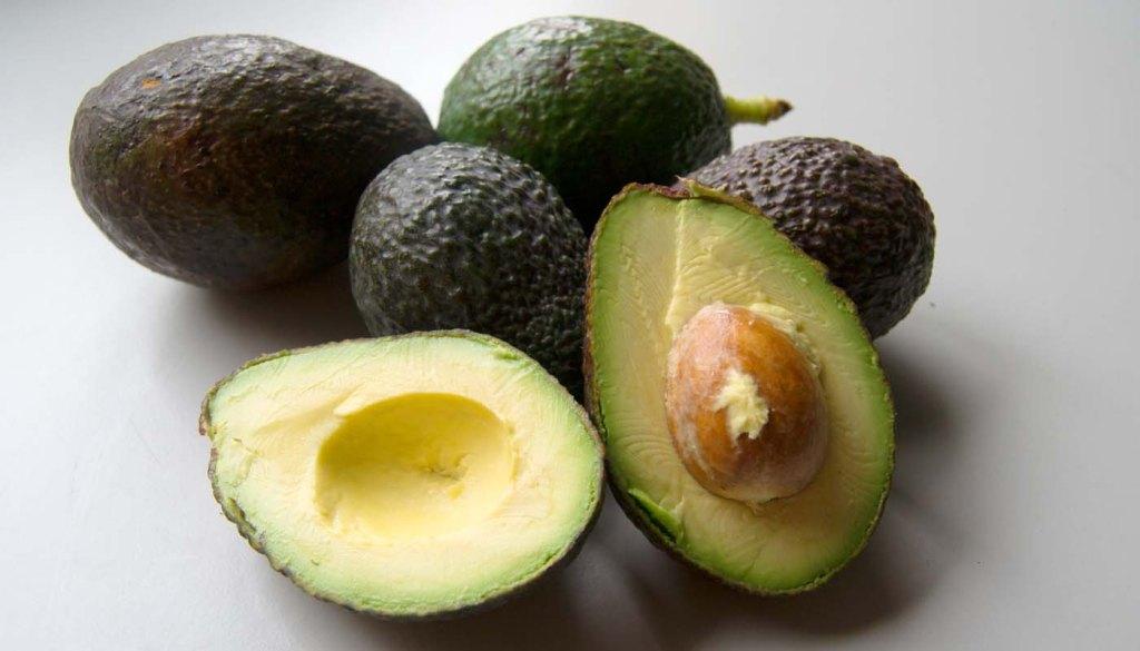 calorías, índice glucémico y valor nutritivo o nutricional y propiedades de los aguacates