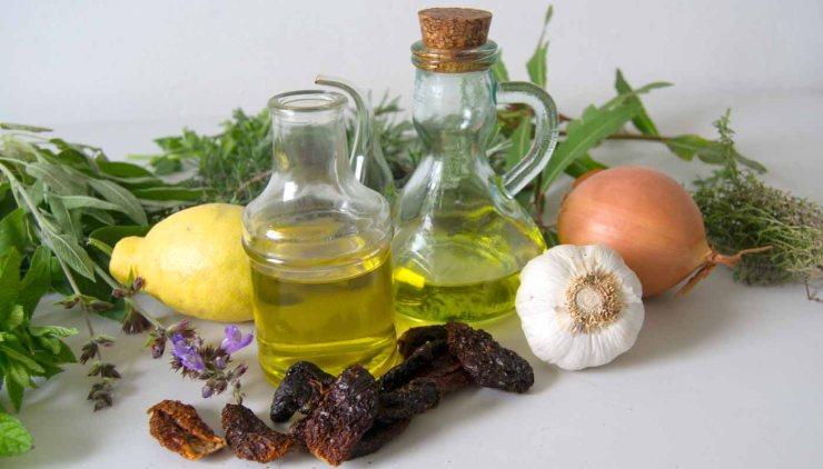 Cómo hacer aceites aromáticos caseros