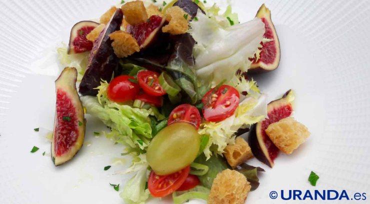 Receta de ensaladas veganas de frutas y frutos secos