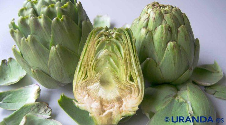 Diez alimentos para un vientre plano: alcachofas