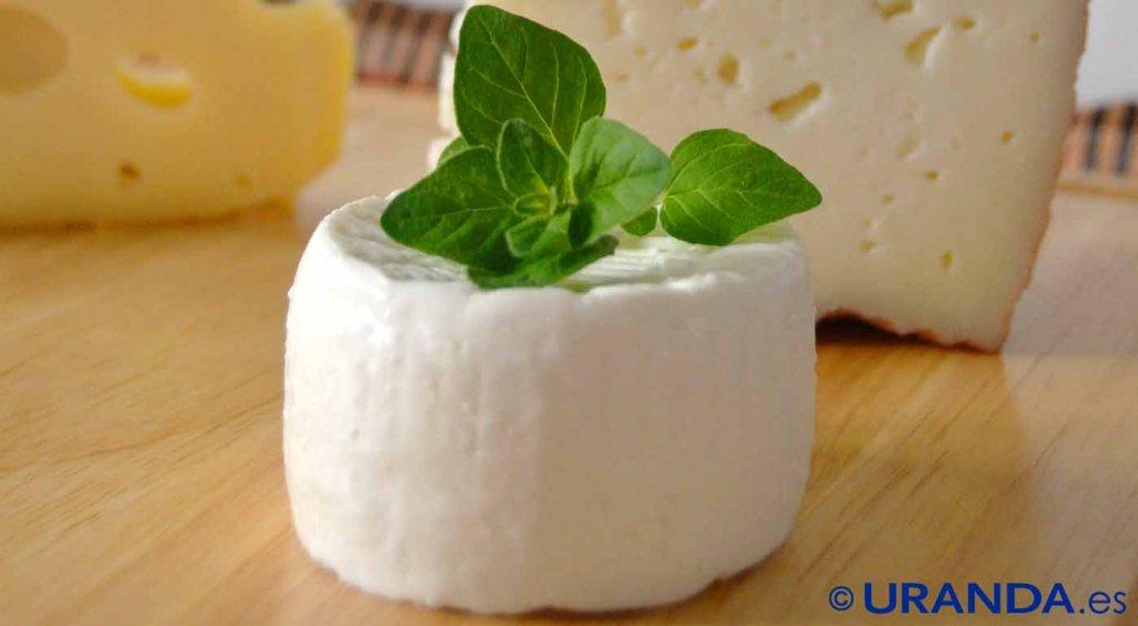 Snacks y meriendas saludables: qué comer entre horas: quesos frescos