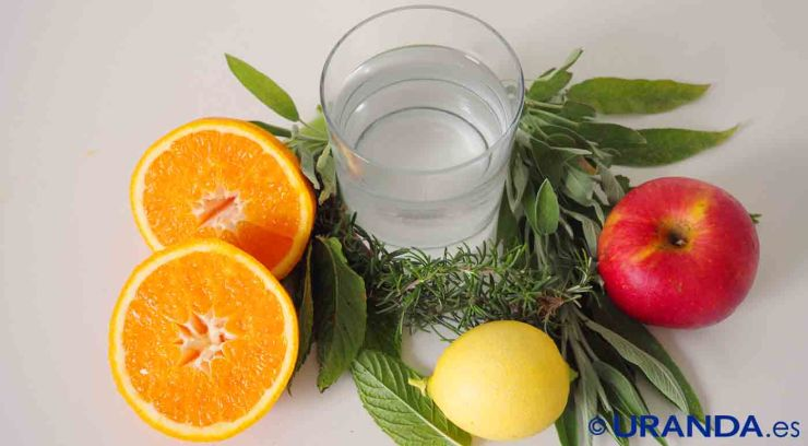 Las siete bebidas más saludables después del agua: Aguas saborizadas caserase